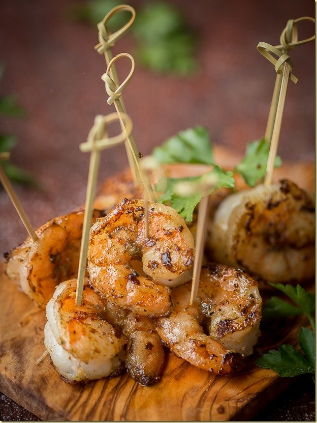 Garlic Shrimp - this bursting with flavor Appetizer is a delicacy that disappears in a blink of an eye! by LetTheBakingBeginBlog.com
