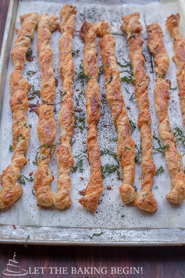 Cheese and Basil Puff Pastry Twists by LetTheBakingBeginBlog.com @Letthebakingbg
