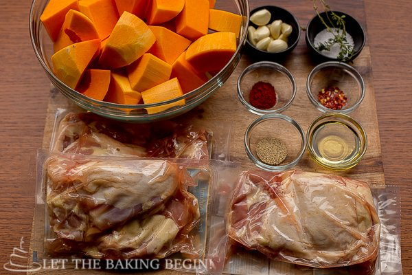 One Pan Chicken and Butternut Squash - super easy, super simple and super delicious! Your new favorite fall dinner recipe! by LetTheBakingBeginBlog.com @Letthebakingbg