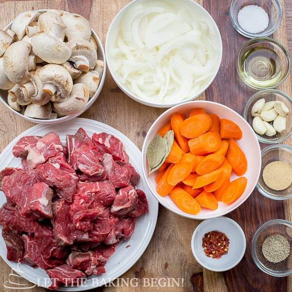Ingredients for Beef with Caramelized Onion and Mushrooms recipe.