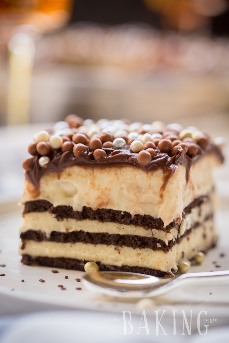 Chocolate Banana No Bake Custard Cake - Perfect no bake dessert filled with creamy custard and prebaked cookie layers. The banana adds nice creaminess, while the Crispearls give it some crunch. | Let the Baking Begin!
