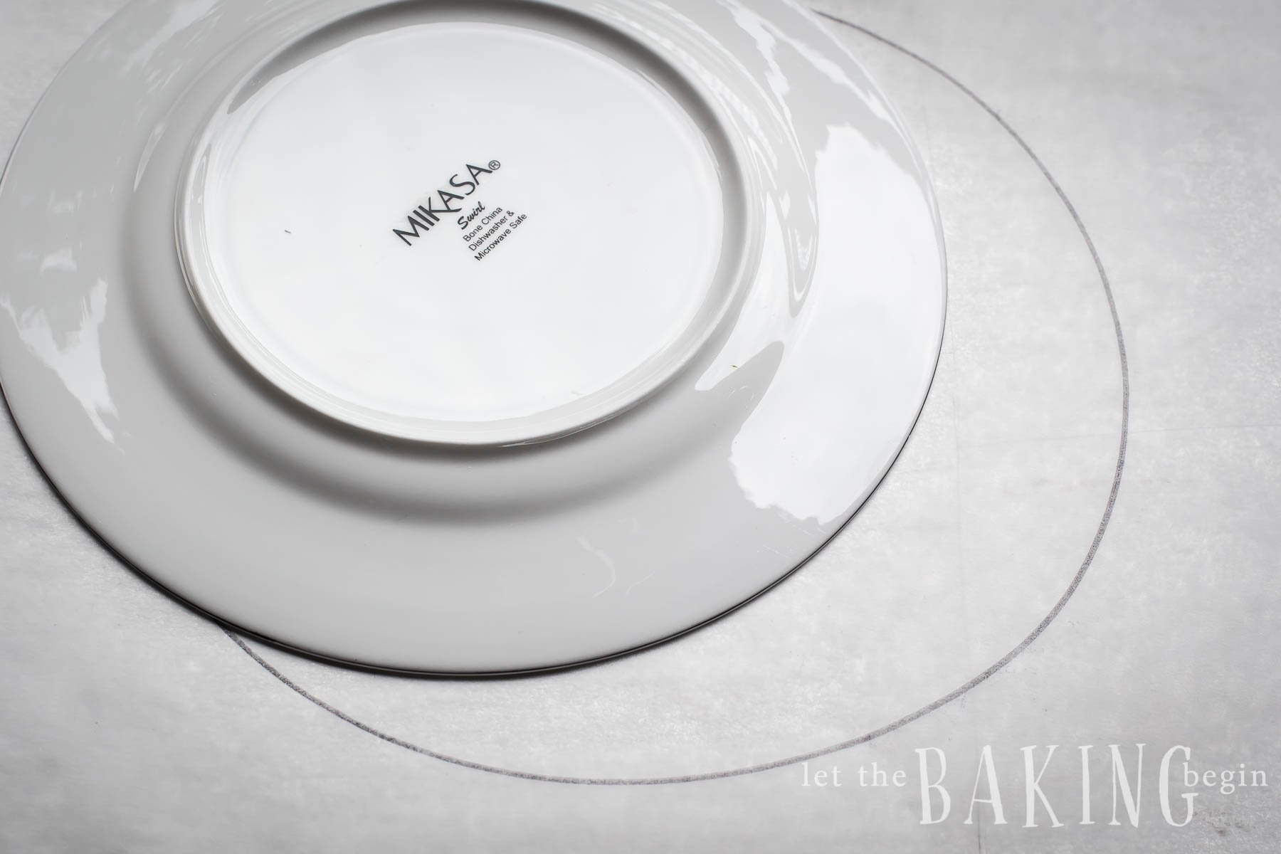 Tracing a circle around a salad plate
